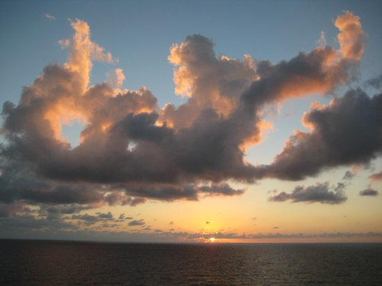 Grand Cayman Cruise Excursions: as we are leaving island before dawn-very cooperative weather