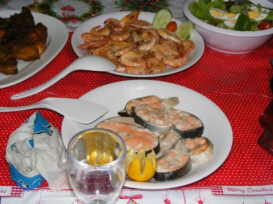 Blue Whale Cruises Day Trips: a shot of the fantastic feast provided