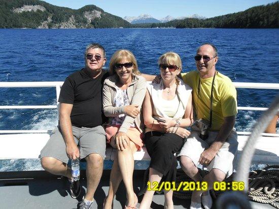 Hosteria Le Lac: desde alli paseo en catamarán por el lago Nahuel Huapi hasta el Bosque de los arrayanes. Una mar