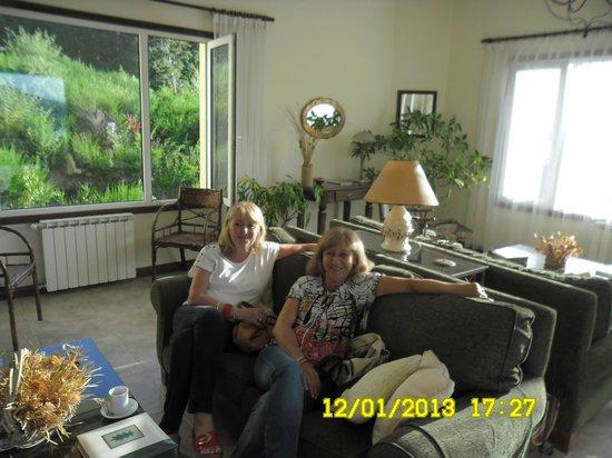 Hosteria Le Lac: en la sala de estar, excelente vista panorámica al lago
