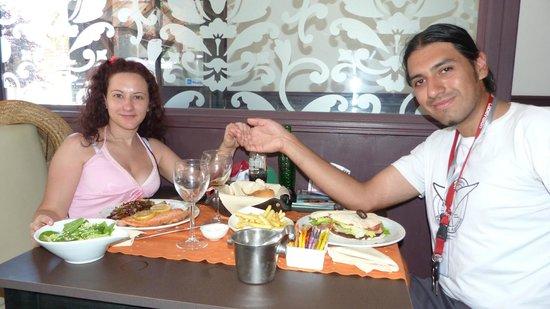 Canela Restaurant: Canela - Almuerzo de cumplemés en Bariloche 21-01-2013