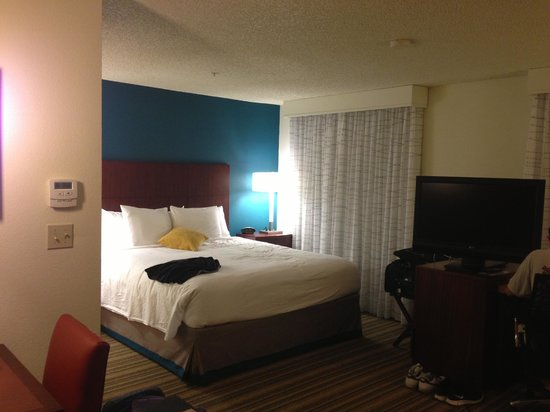 Residence Inn Sacramento Airport Natomas: Bed