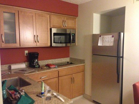 Residence Inn Sacramento Airport Natomas: Kitchen