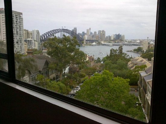 North Sydney Harbourview Hotel:                   Room-width window