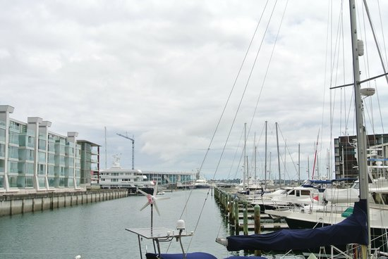 Sofitel Auckland Viaduct Harbour:                   View of the hotel from the marina