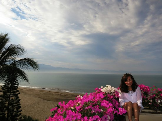 Velas Vallarta:                   Enjoying the balcony