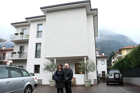 Villa Maria Hotel Garni :                   At the front of the Hotel.