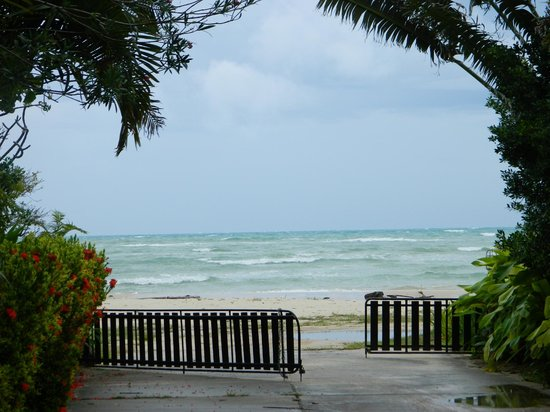 Shiva Samui:                   To the beach and towards Ocean rooms