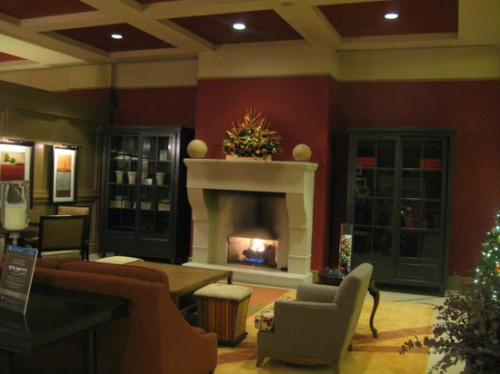 Lansdowne Resort:                   Fireplace nook