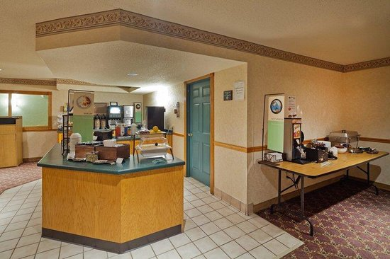 Country Inn & Suites By Carlson, Menomonie: CountryInn&Suites Menomonie BreakfastRoom