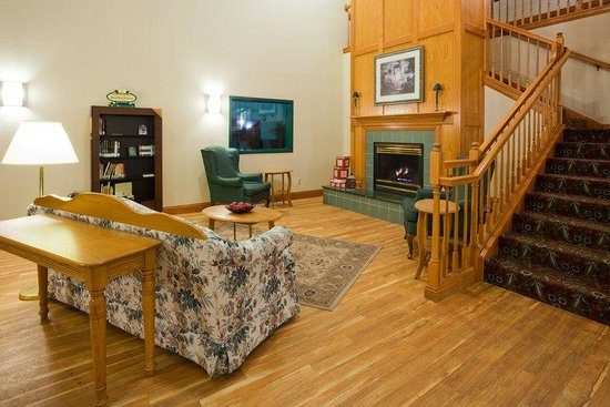 Country Inn & Suites By Carlson, Detroit Lakes: CountryInn&Suites DetroitLakes  Lobby