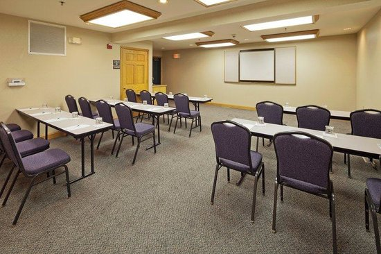 Country Inn & Suites By Carlson, Port Washington: CountryInn&Suites PortWashington  MeetingRoom