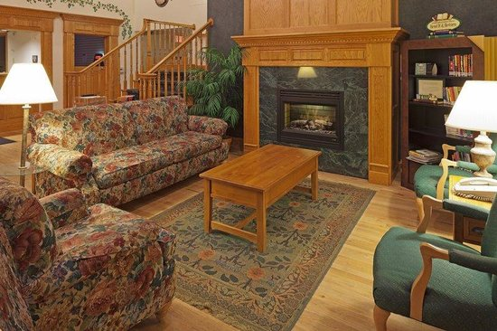 Country Inn & Suites By Carlson, Port Washington: CountryInn&Suites PortWashington  Lobby