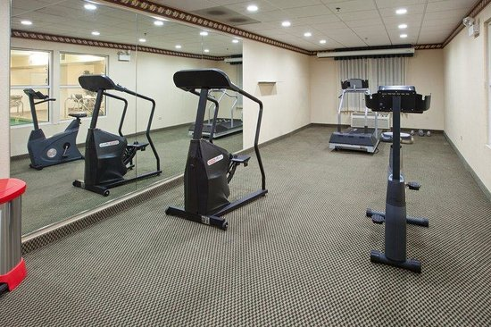 Country Inn & Suites By Carlson, Chicago O'Hare South: CountryInn&Suites OHare South  FitnessRoom