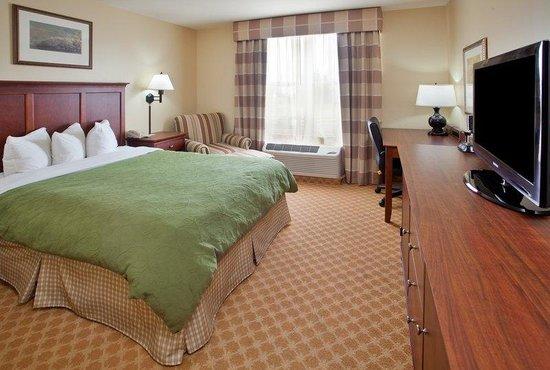 Country Inn & Suites By Carlson, Birch Run: CountryInn&Suites BirchRun  GuestRoomQueen