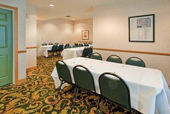 Country Inn & Suites By Carlson, Birch Run: CountryInn&Suites BirchRun  MeetingRoom