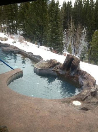Hidden Ridge Resort: lower hot tub
