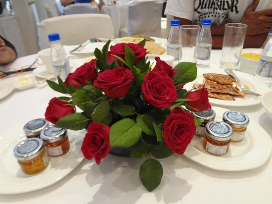 Trident, Nariman Point:                   Table Decor