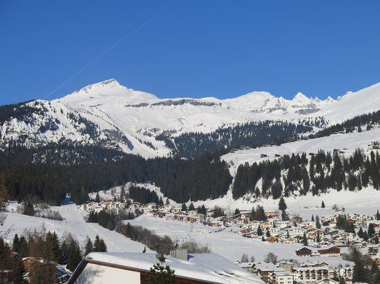 Grand Hotel Waldhaus: Fabulous skiing & sledding