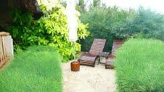เมีย รีสอร์ท: Bungalow 52 private garden