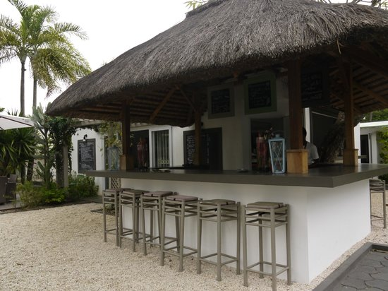 Esprit-Libre Restaurant & Guest-House:                   view of the outside bar