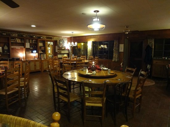 Hemlock Inn: Dining Area at the Inn
