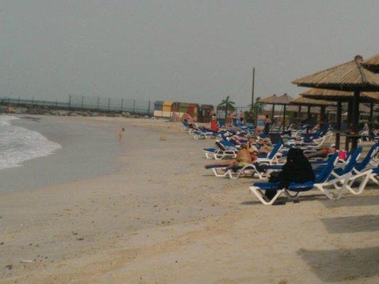 Coral Beach Resort Sharjah: Beach side