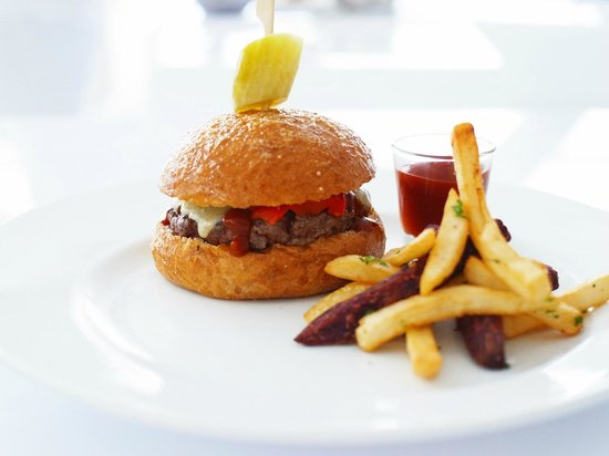 Bed Supperclub : BED Burger