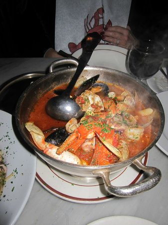 Sotto Mare Oysteria & Seafood: Cioppino