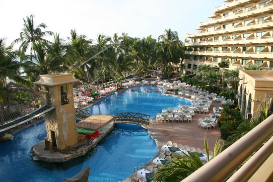 Paradise Village Beach Resort & Spa:                   The view from our 3rd floor ocean view room