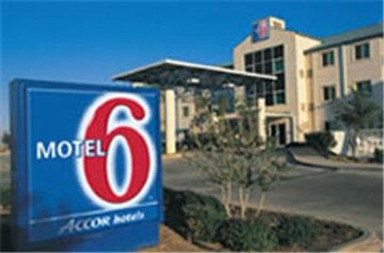 Motel 6 Roswell: Exterior