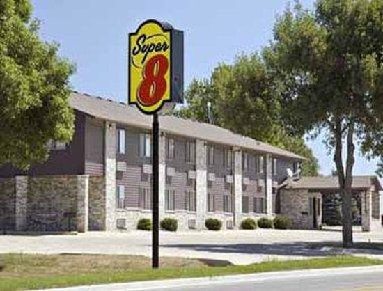 Welcome to Super 8 Estherville