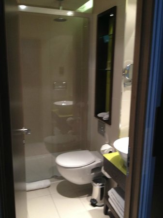 Hotel Indigo London-Paddington: Rain shower