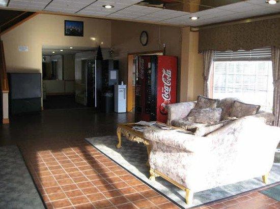 Marina Inn: Lobby
