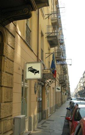 Liberty Hotel : Esterno Hotel in Via Gioberti