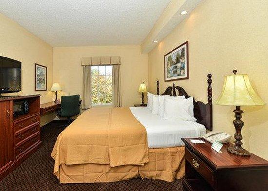 Quality Inn Oak Ridge : guest room