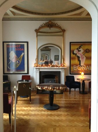 One Royal Circus: The bar and breakfast room