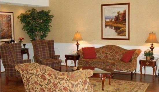Baymont Inn & Suites Grenada: Lobby