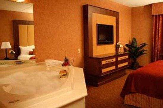 Heritage Hills Golf Resort & Conference Center: King Whirlpool Suite