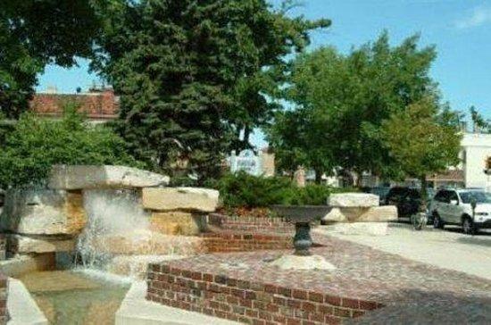 Fountain Park Motel: Exterior