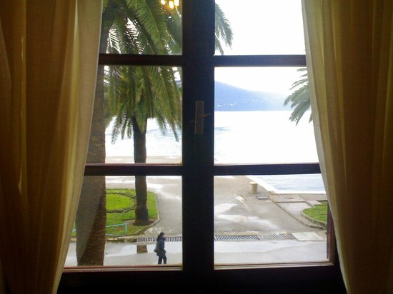 Hotel Pine:                   Sea view
