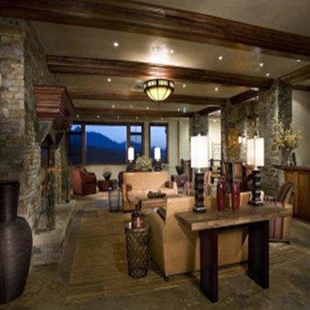 Peaks Resort & Spa: See Forever Lobby