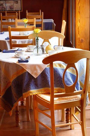 The Alpine House Lodge & Cottages: Dining Px