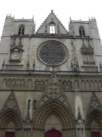 Cathédrale Saint-Jean Baptiste :                   Общий вид