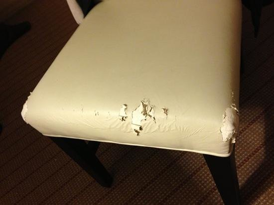 Sheraton Austin at the Capitol:                   desk chair