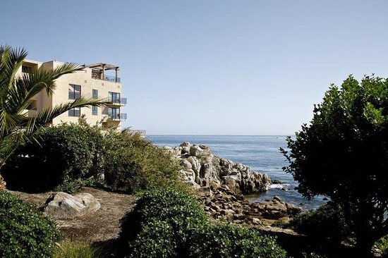 Monterey Bay Inn Exterior