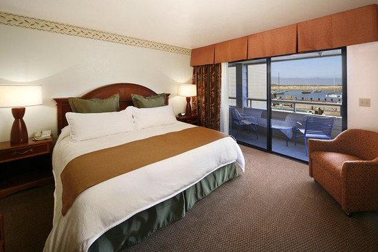 456 Embarcadero Inn & Suites: Family Suite with King Bed Room