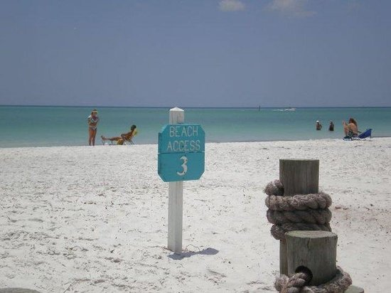 Tropical Breeze Resort: Cool- White Siesta Key Sand