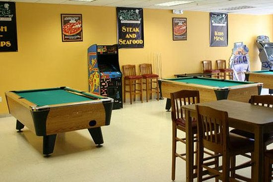 Lake Buena Vista Resort Village & Spa: Game room