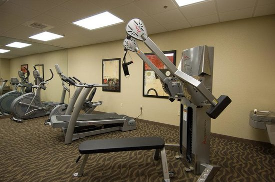 Simmons Suites: Fitness Center